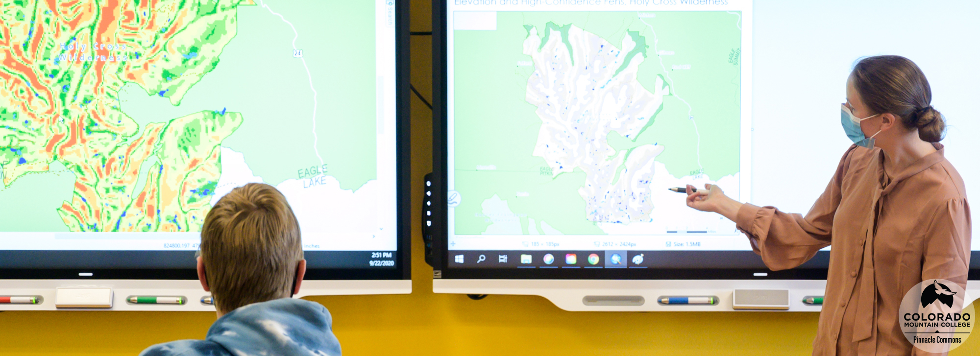 Professor Dara Seidl and students in the GIS Lab.