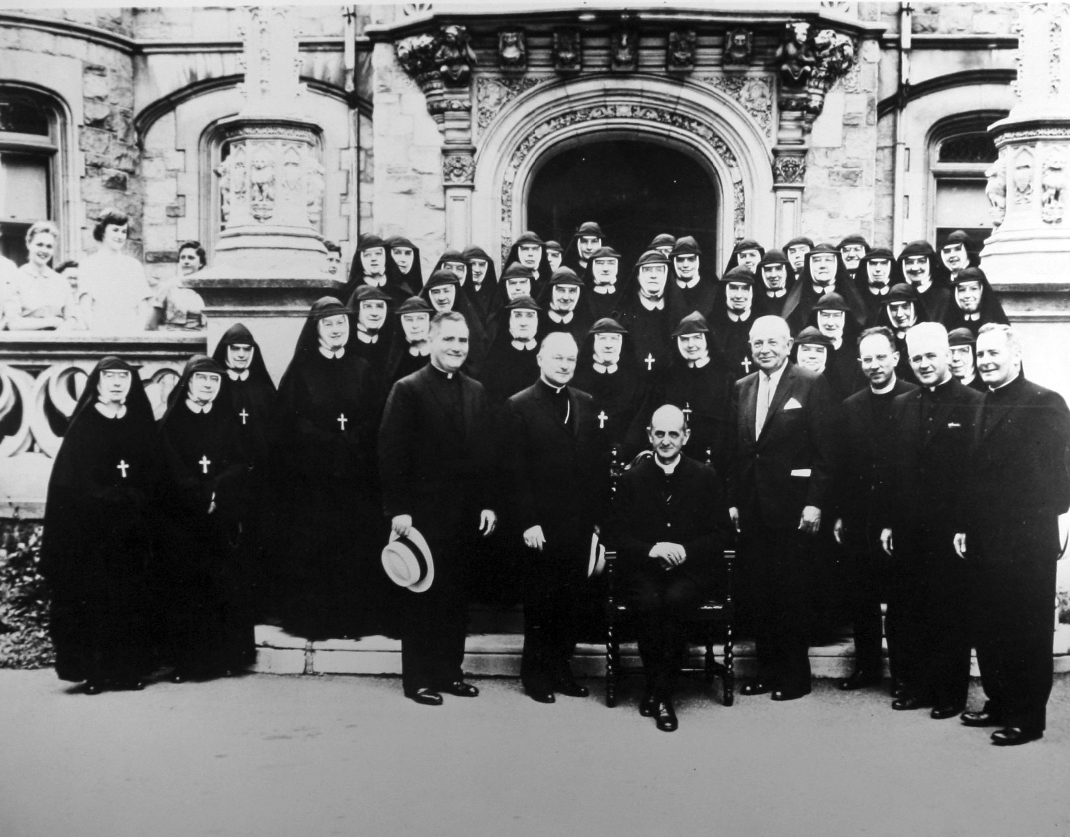 Visit by Cardinal Montini (Pope Paul VI)_front of Rathalla, 1960