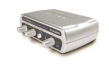 M-Audio Fast Track, silver device with 3 knobs