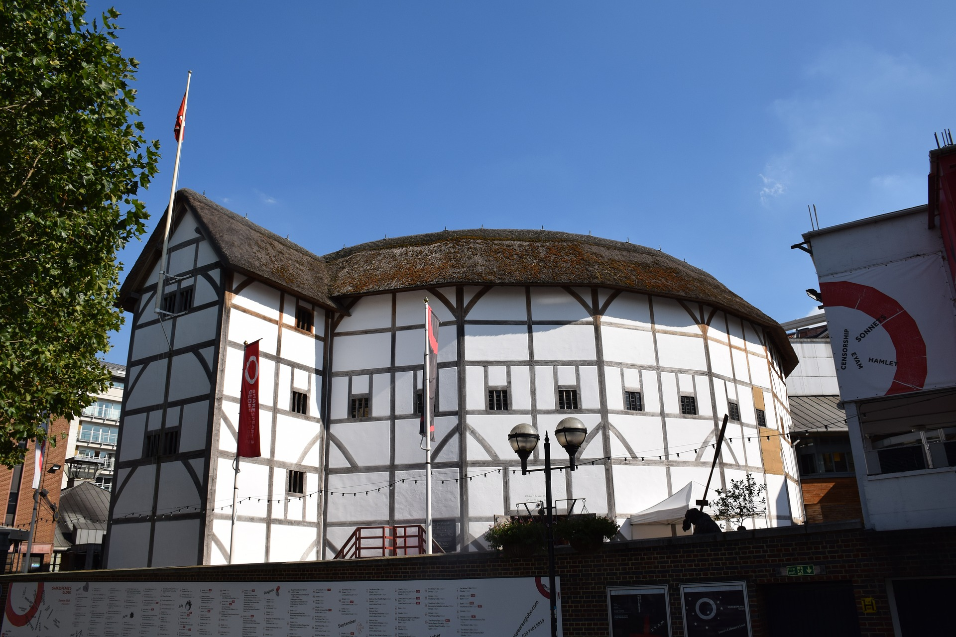 photo of Globe Theatre in London