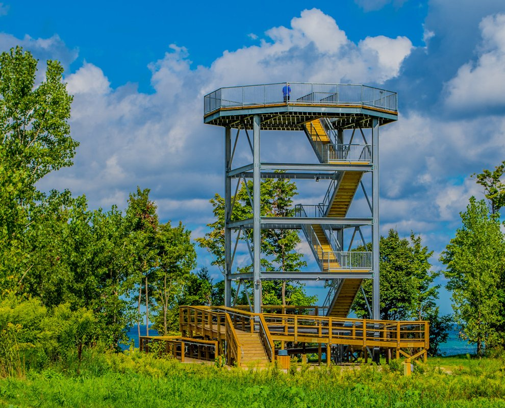 Observation tower at Lake Erie Bluffs