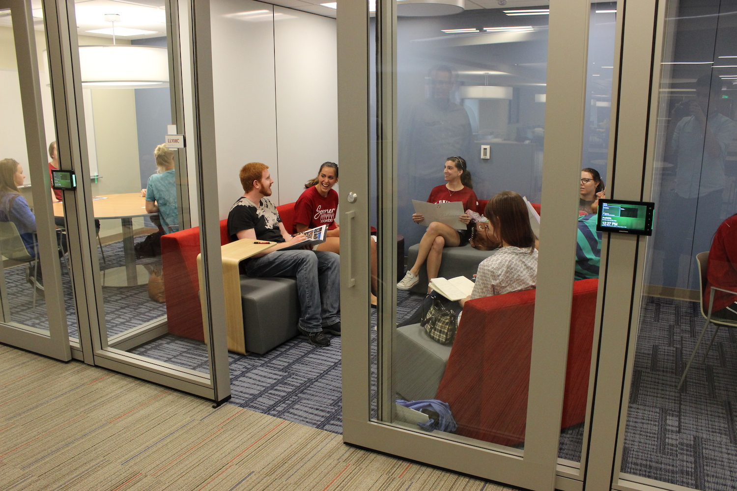 Students using HCLC study rooms