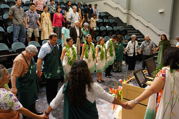 Native Hawaiian MD graduates join with department faculty, medical school and UH leadership and loved ones in a Kiheī Ceremony at JABSOM in 2012.