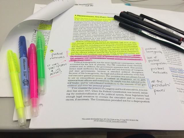 Note taking and highlighting journal articles by Raul Pacheco-Vega (CC BY-NC-ND 4.0) https://flic.kr/p/ywhfPT
