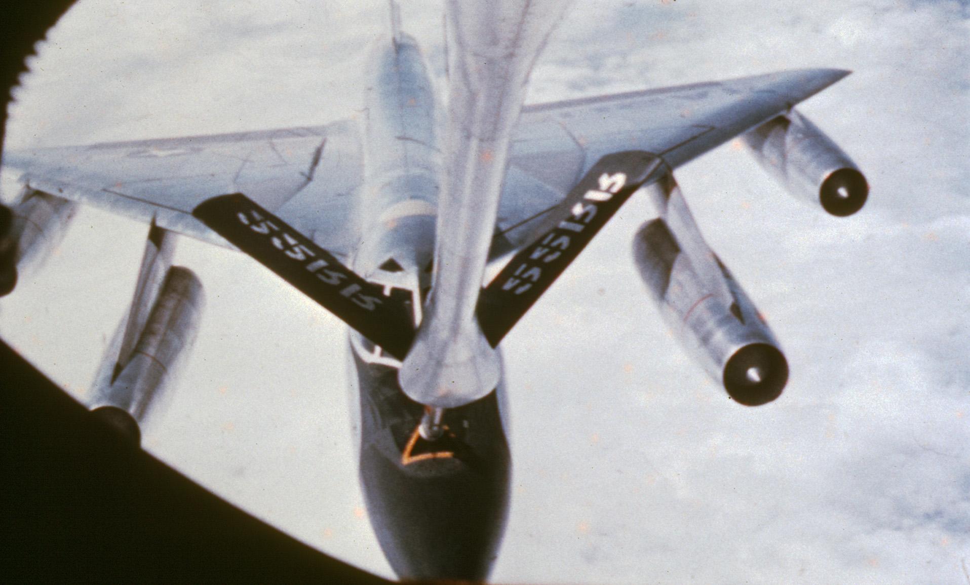 B-58 Hustler refueling