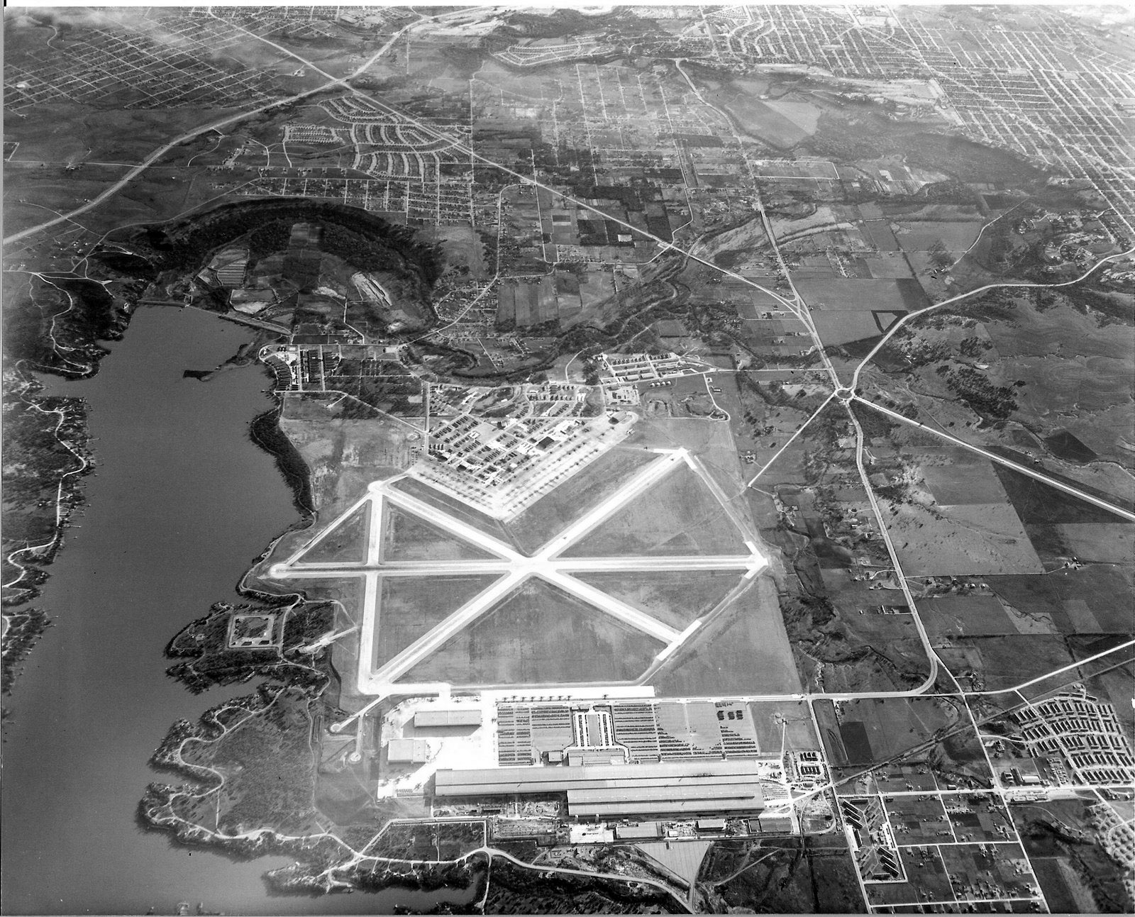 Ariel view of Convair plant and airfield 1942