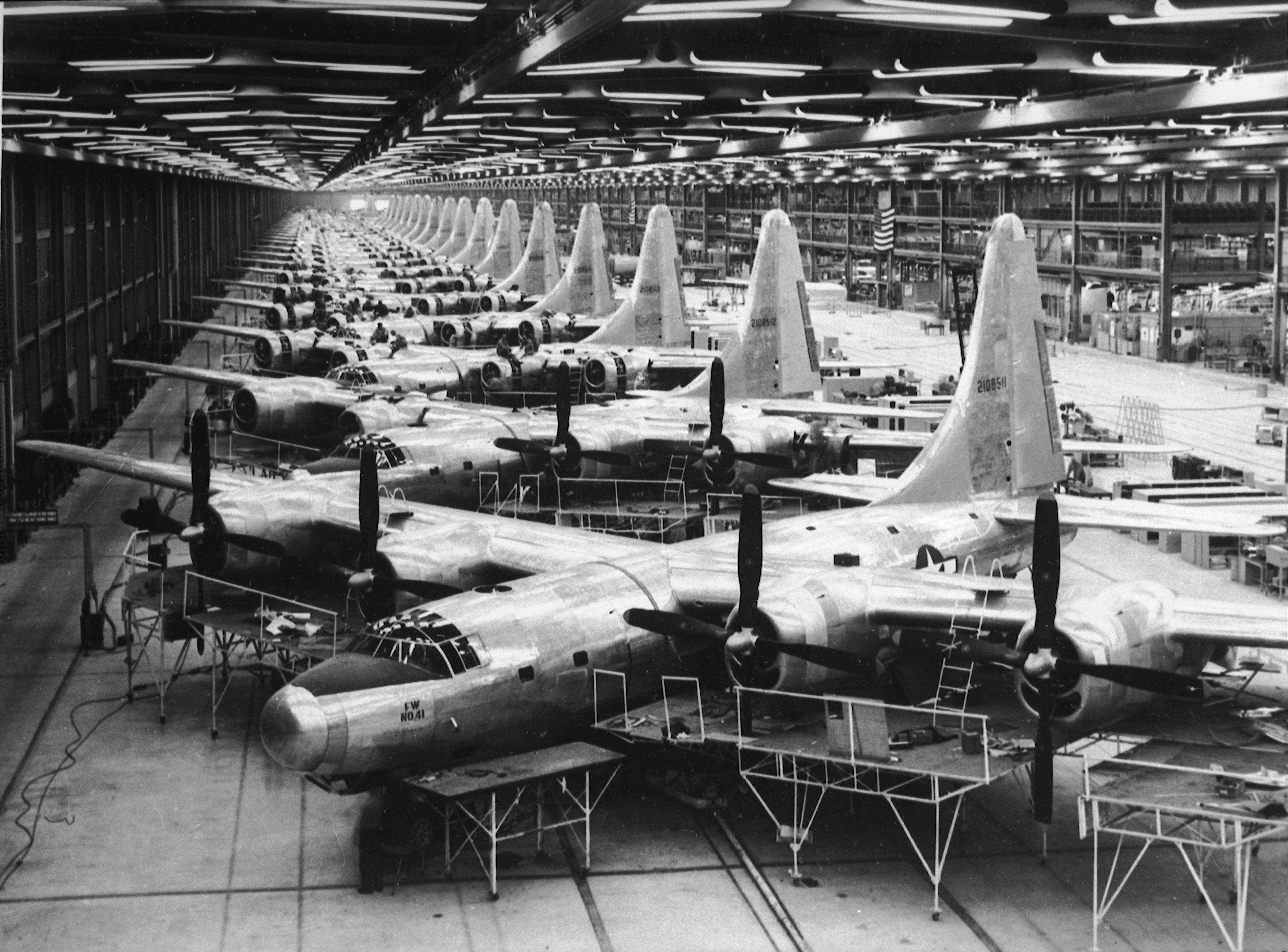 Boeing B-32 Bomber assembly line 1944