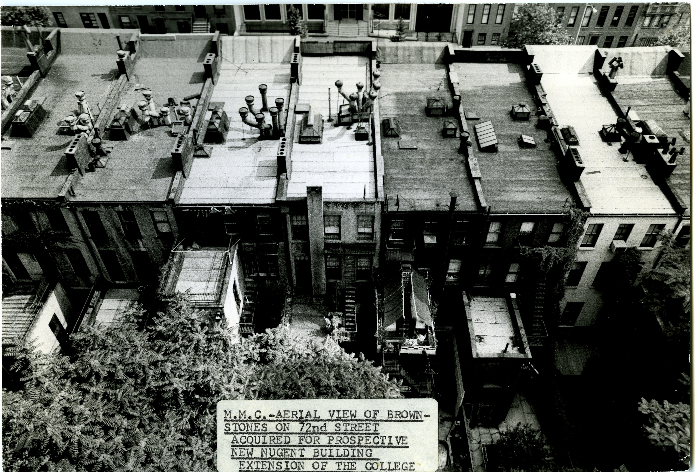 aerial view of townhouses that were along 72nd Street where MMC's Nugent Building was later built.