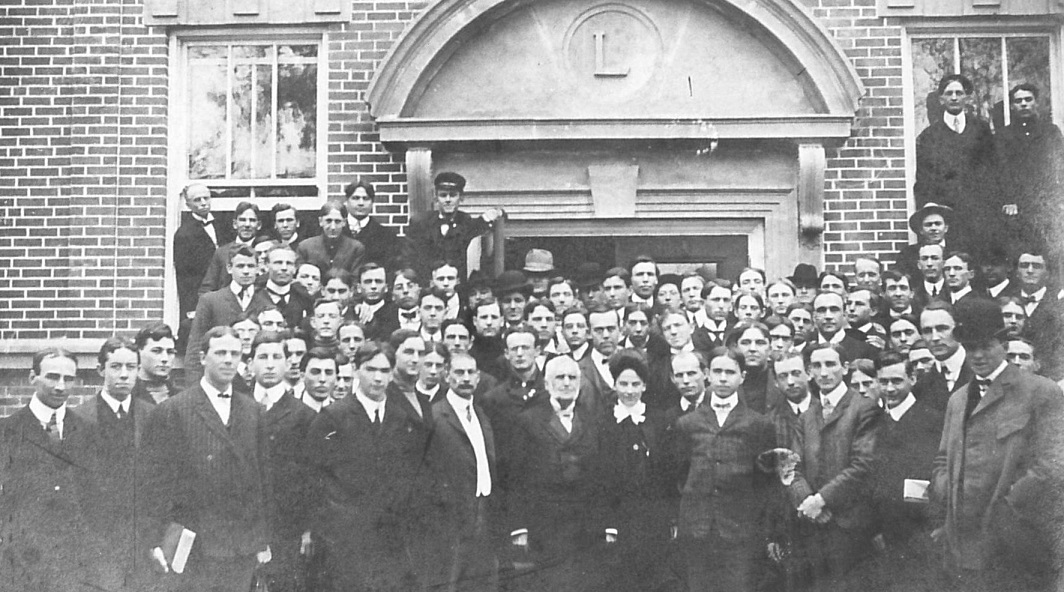 Cole Hall, 1905, with Cole and Drake Law School students