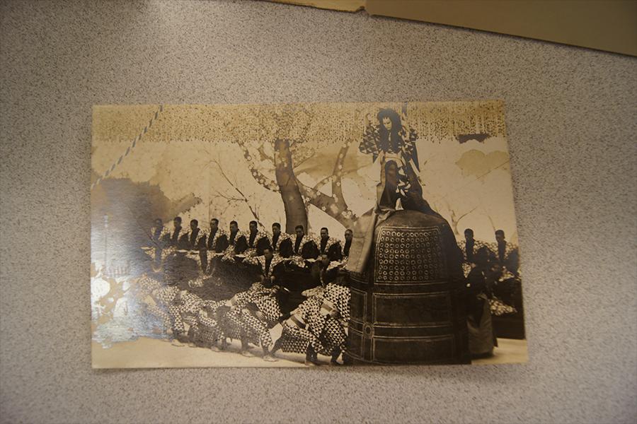 Image: A close-up of a kabuki actor postcard