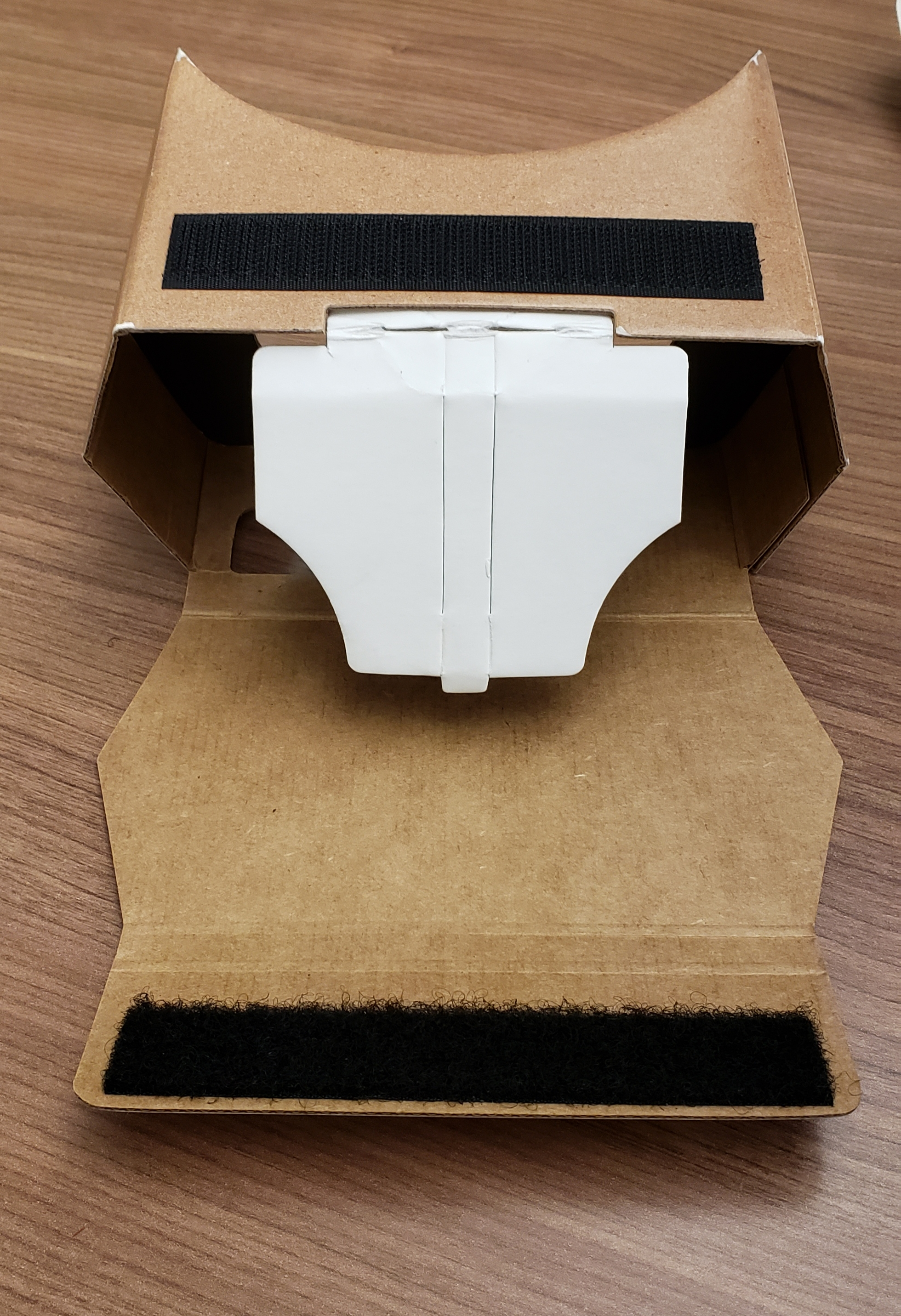 Using the Velcro to secure phone in the Google Cardboard