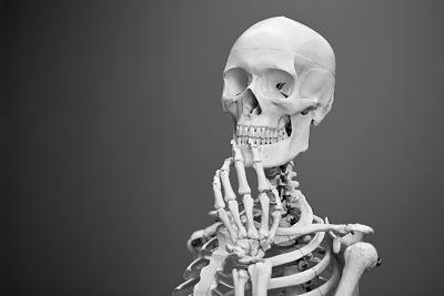 thoughtful skeleton