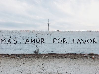 mas amor por favor