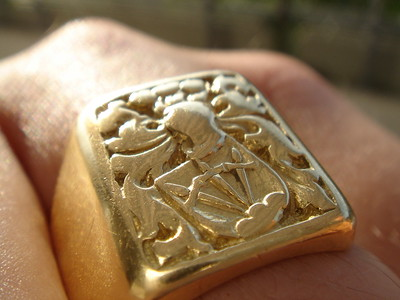 Signet ring  CC-By-2.0
