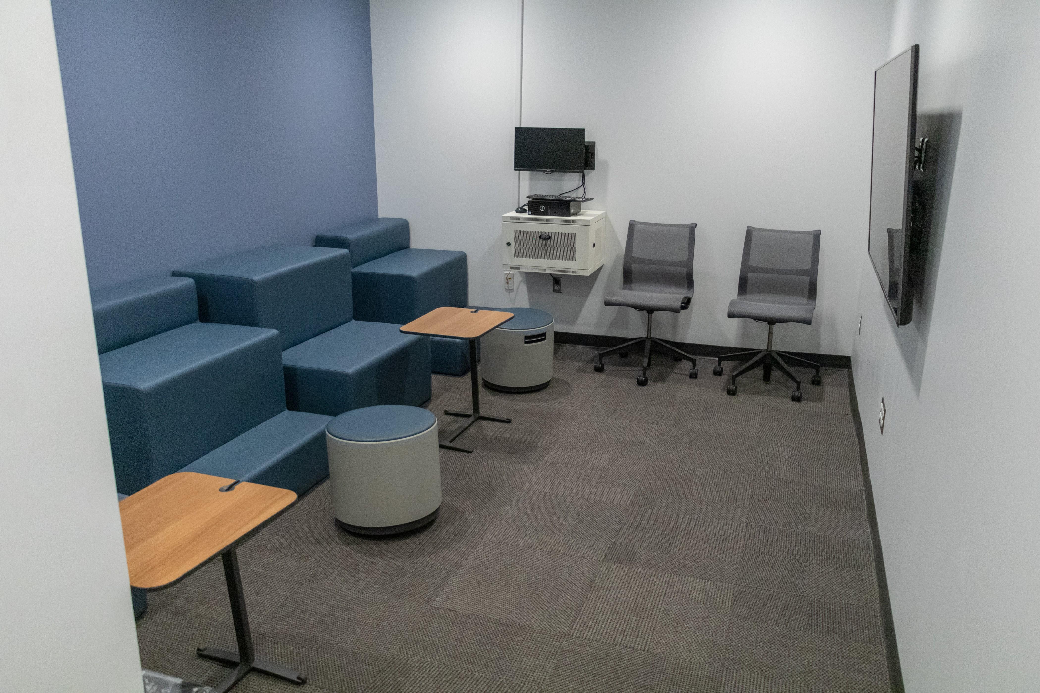 Room 118 - Presentation Room