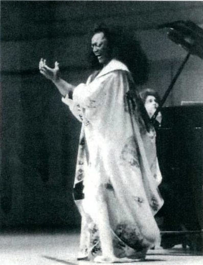 Jessye Norman singing in a concert
