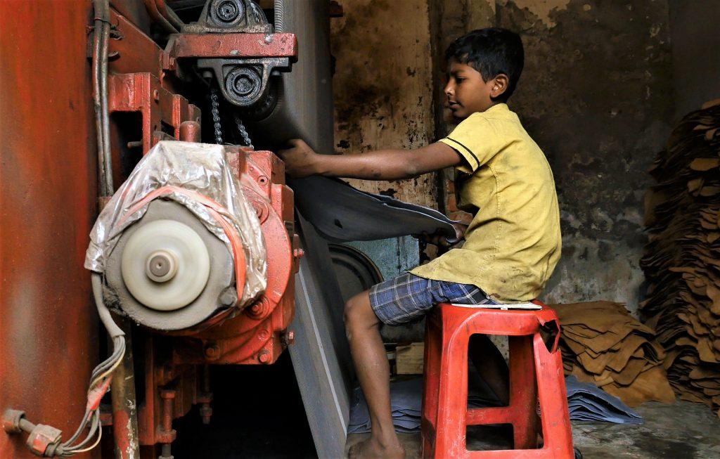 Bangladesh tannery worker