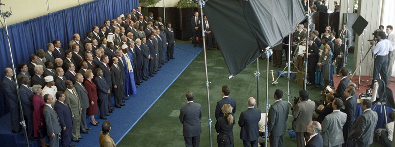 UN Photo 319489: Heads of state pose for photo at World Summit for Children, 1990