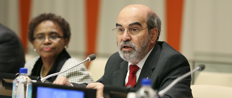José Graziano da Silva, Director-General of FAO, addresses G-77 ambassadors, 2013; UN Photo 572278