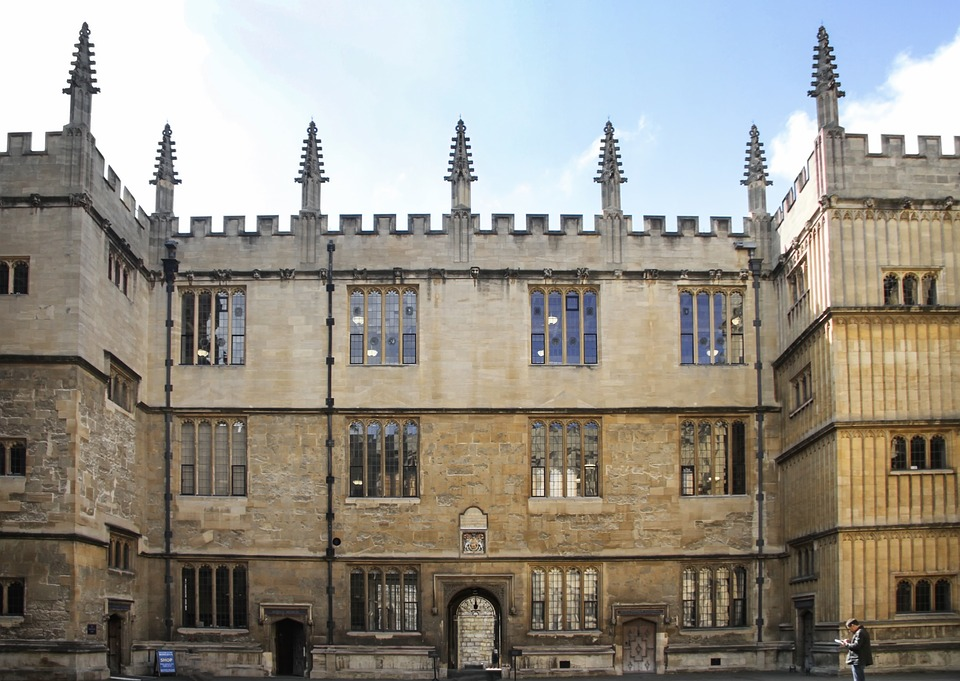 An outside view of the library at Oxford University