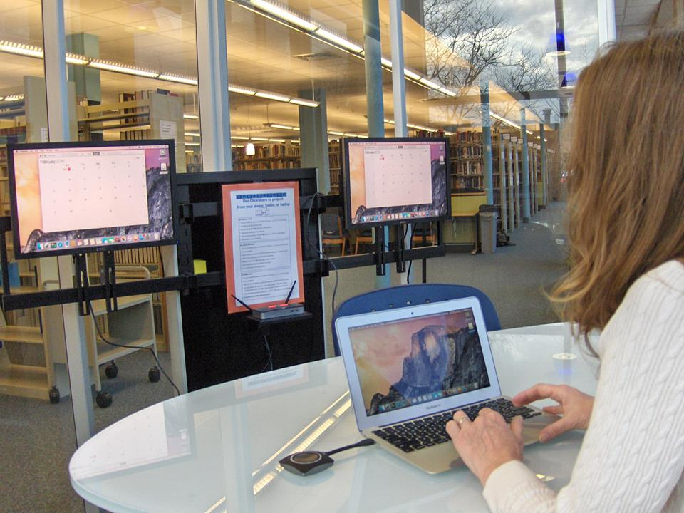 Eiche Library ClickShare Technology Glass Room
