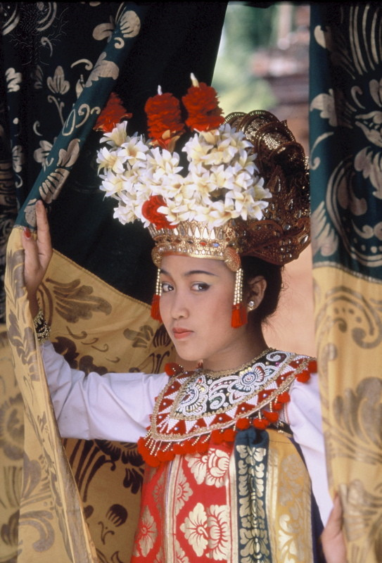 Balinese dancer, Bali, Indonesia, Southeast Asia, Asia. [Photography]. Retrieved from Encyclopædia Britannica ImageQuest.  https://quest.eb.com/search/151_2541329/1/151_2541329/cite