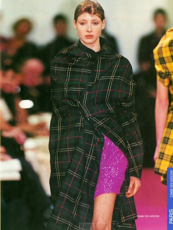 Runway images from Comme des Garcons' Fall/Winter 1999/2000 collection
