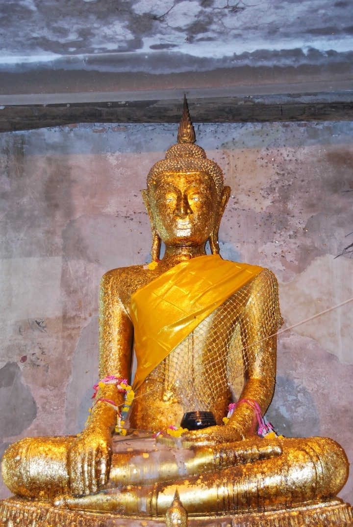 Buddha image photographed by the author in Koh Kret, Thailand