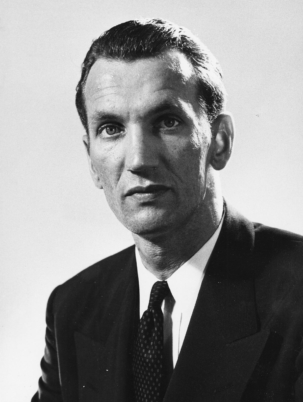 Head and shoulders photograph of Jan Karski