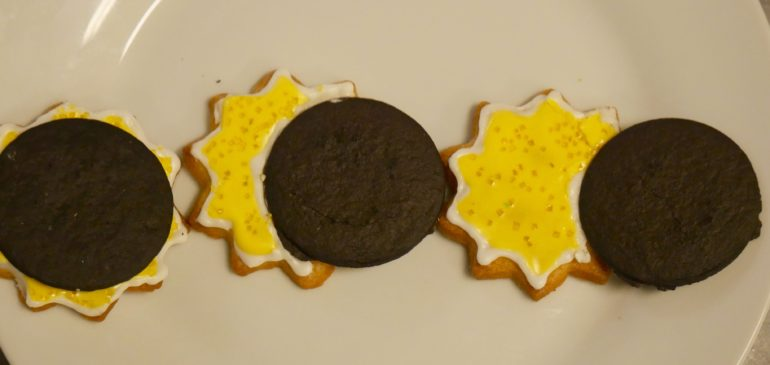 Sun cookies with an oregon moon covering them
