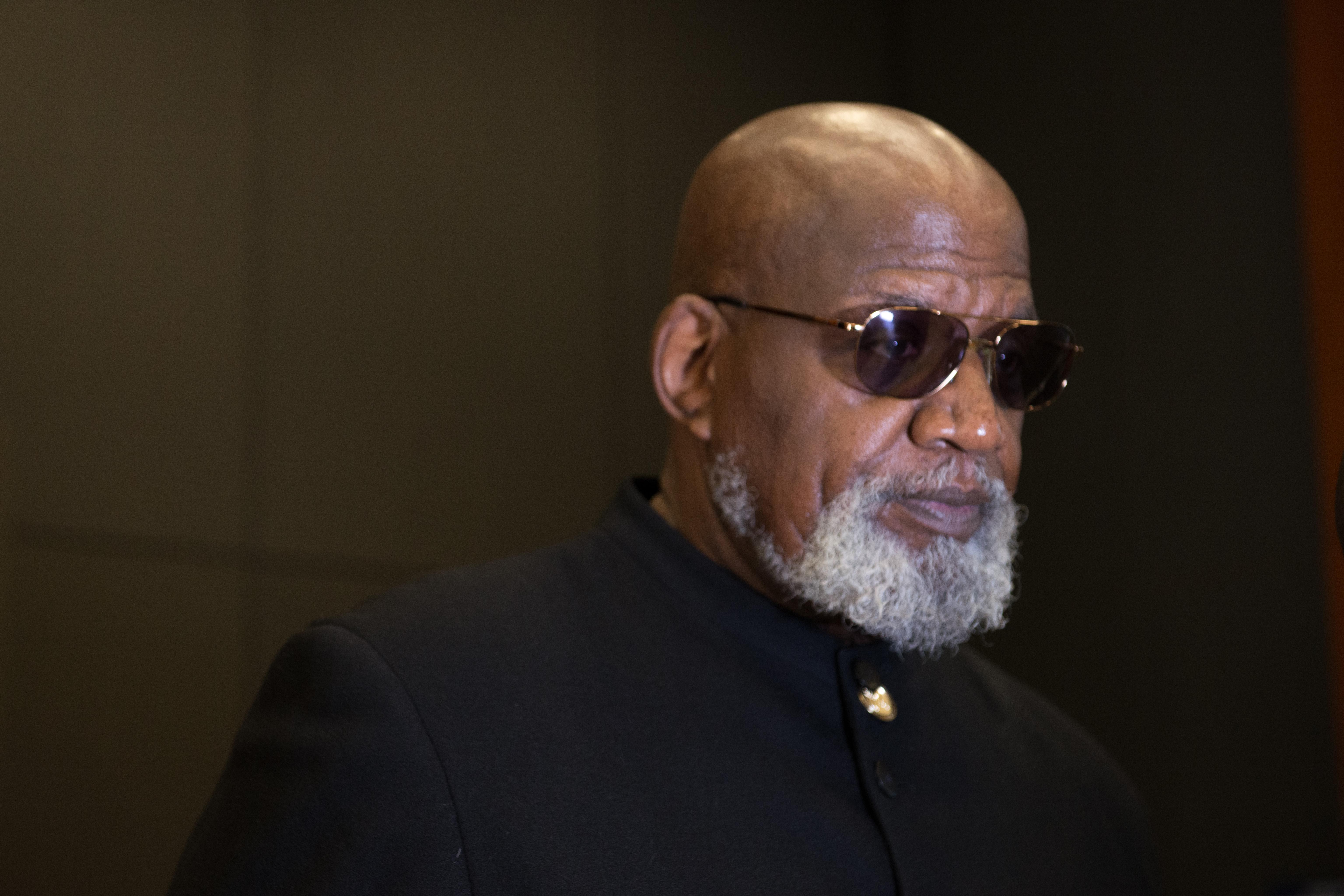 Photo of Dr. Harry Edwards