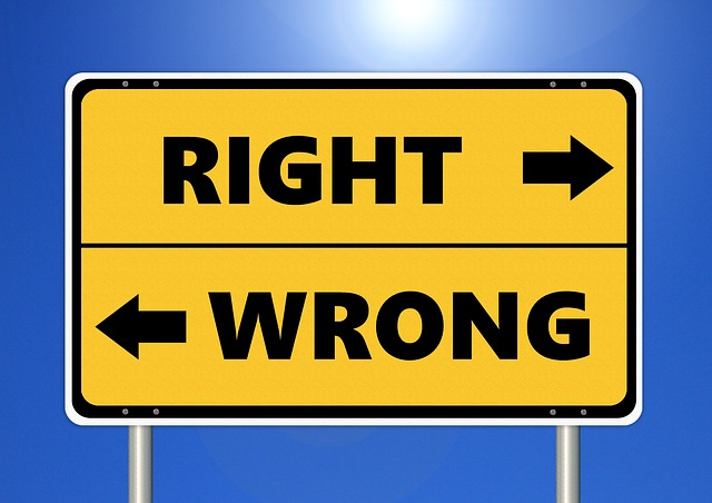 image of right and wrong directional sign