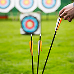 photo of arrows and targets, for target market