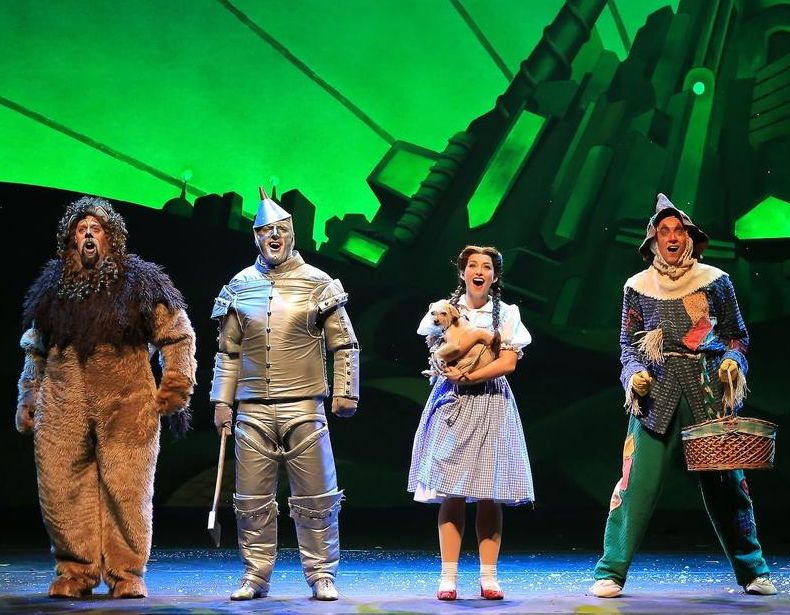 stage show - wizard of oz