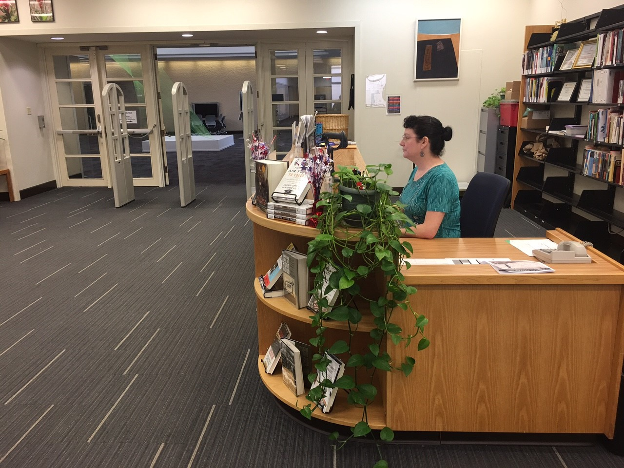 Photo of Circulation Desk in the Mountain View College Library