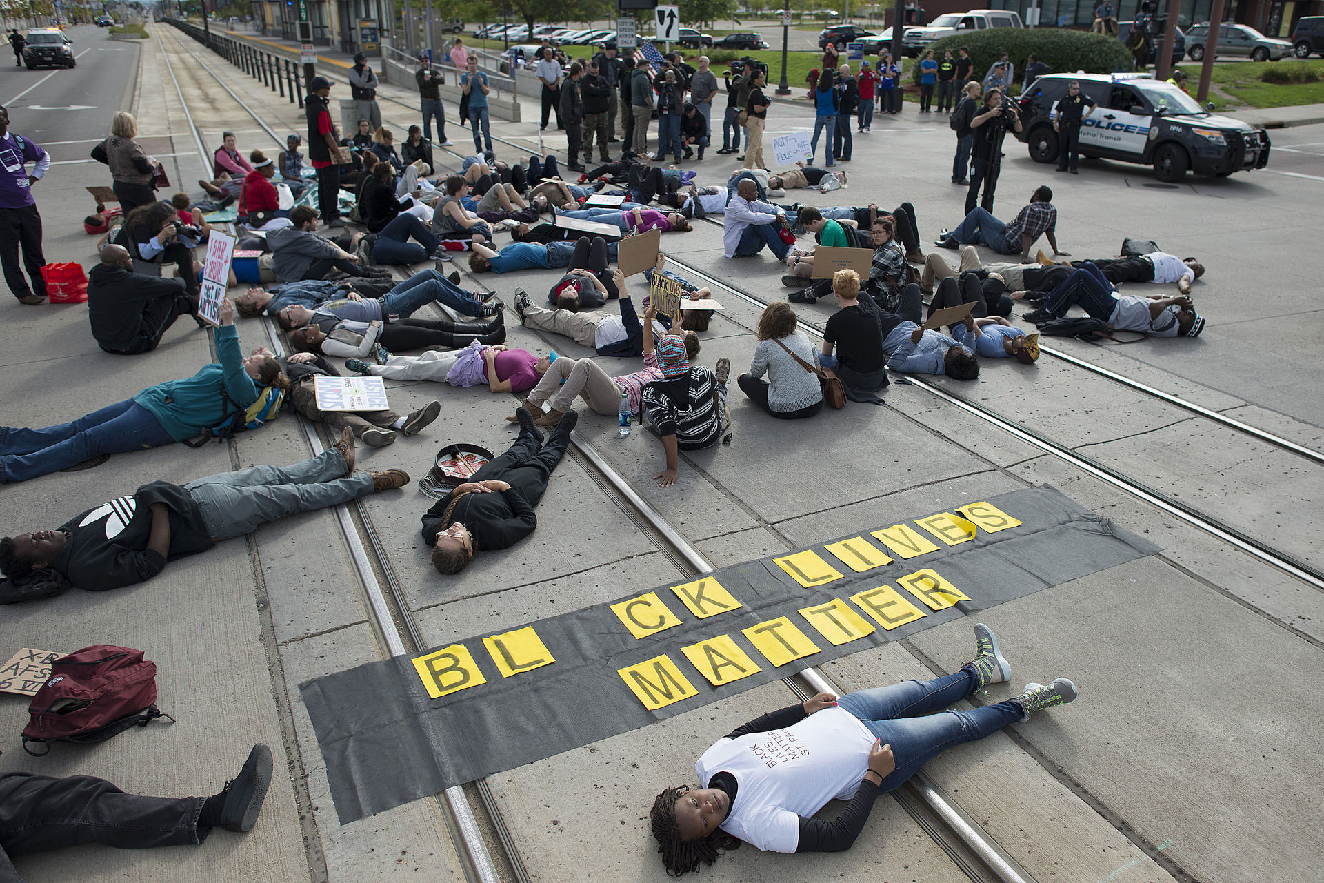 Photo of protestors conducting a 'die-in' in Minneapolis, 2015