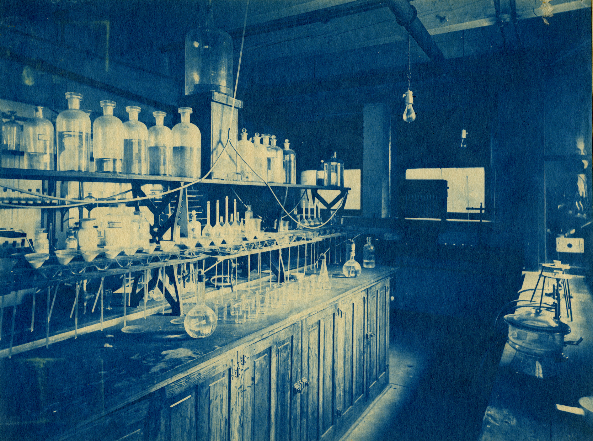 Cyanotype photo of the interior of the Chemistry Building, now Noyes Laboratory, circa 1910s