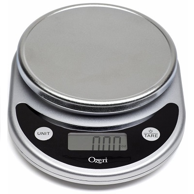 Digital food scale with unit button to switch between g, lbs, oz, ml