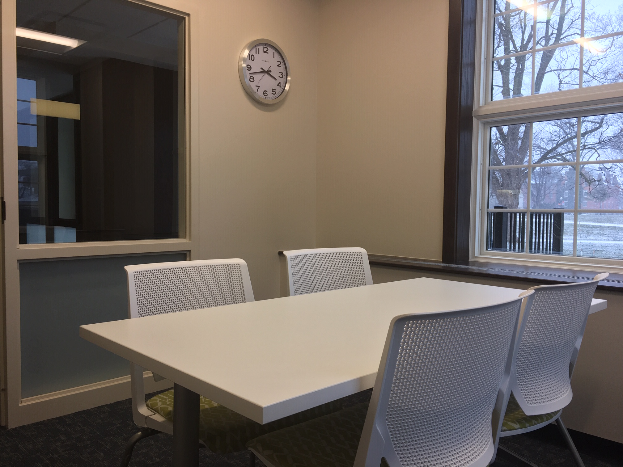 Medium group study room