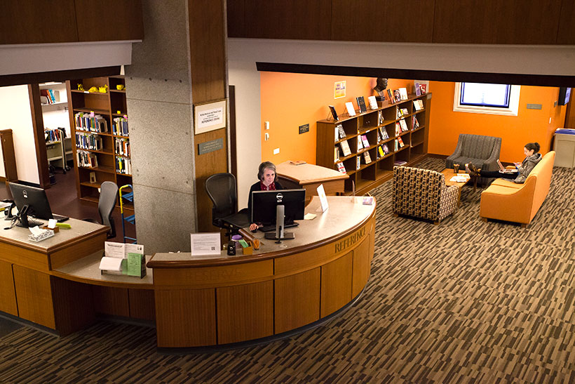 Frost Library Reference Desk