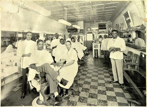 De Luxe Barber Shop 1948