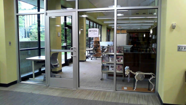 Entrance to Vet Med Library