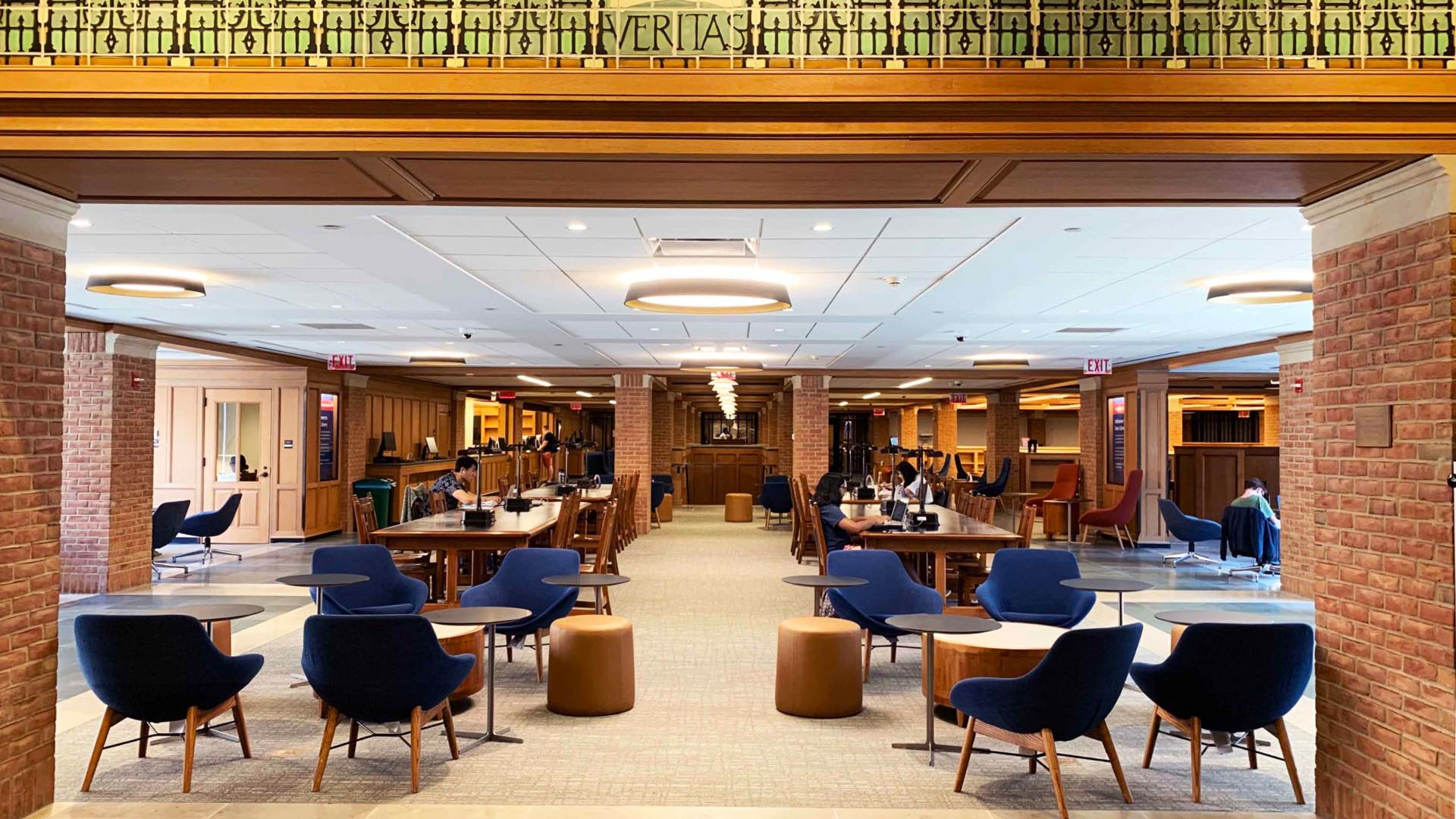 A photograph of the inside of Bass Library. Photo from the Yale Daily News and Emily Tian.