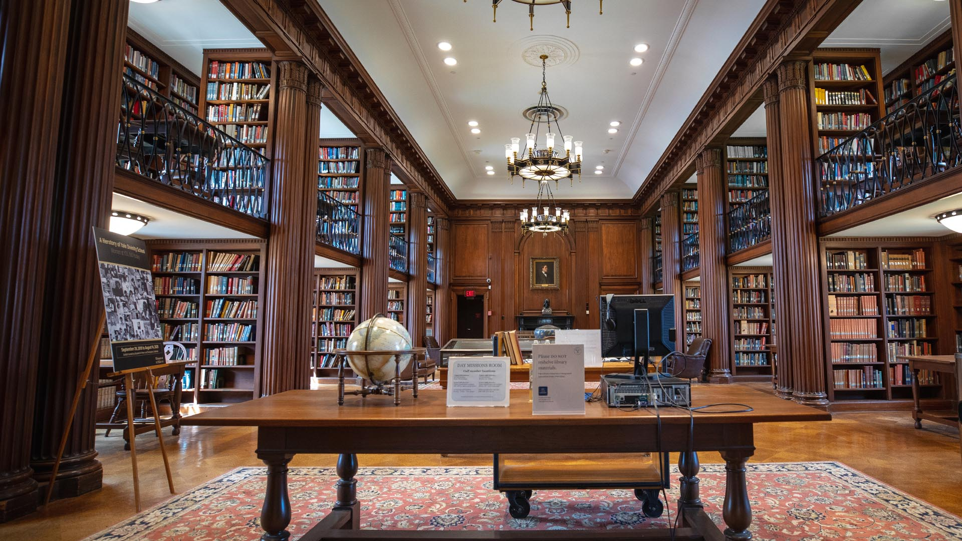 A photograph of the inside of the Divinity Library.