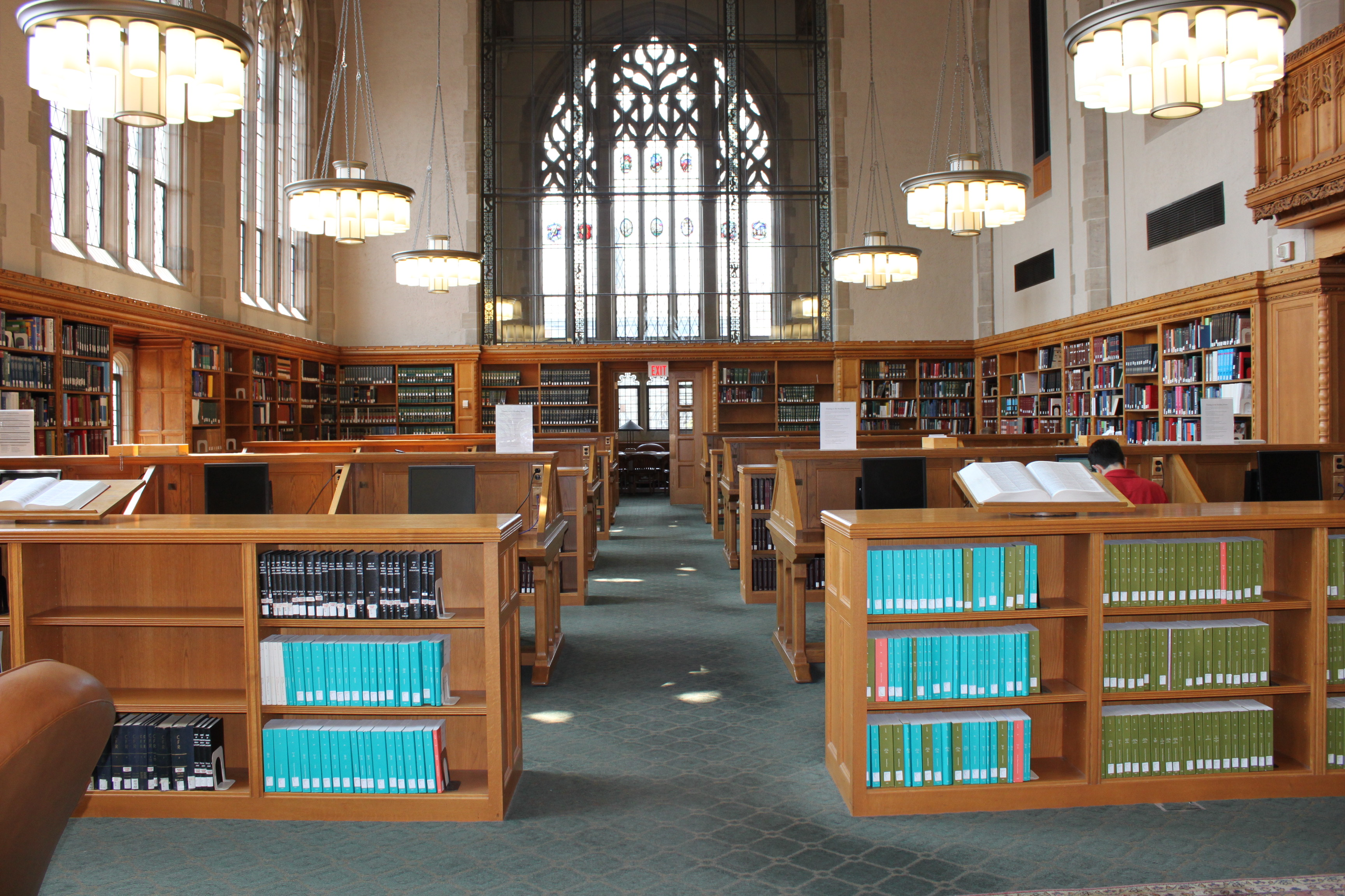 A photo of the main reading room at the Lillian Goldman Law Library.