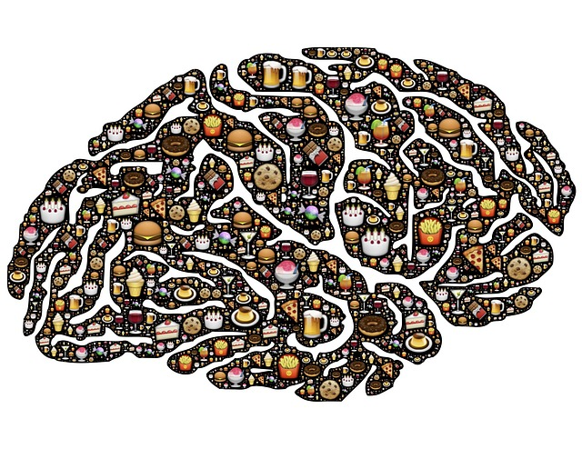 Food icons make up a brain
