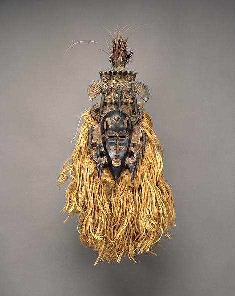 Image of a Seufo face mask