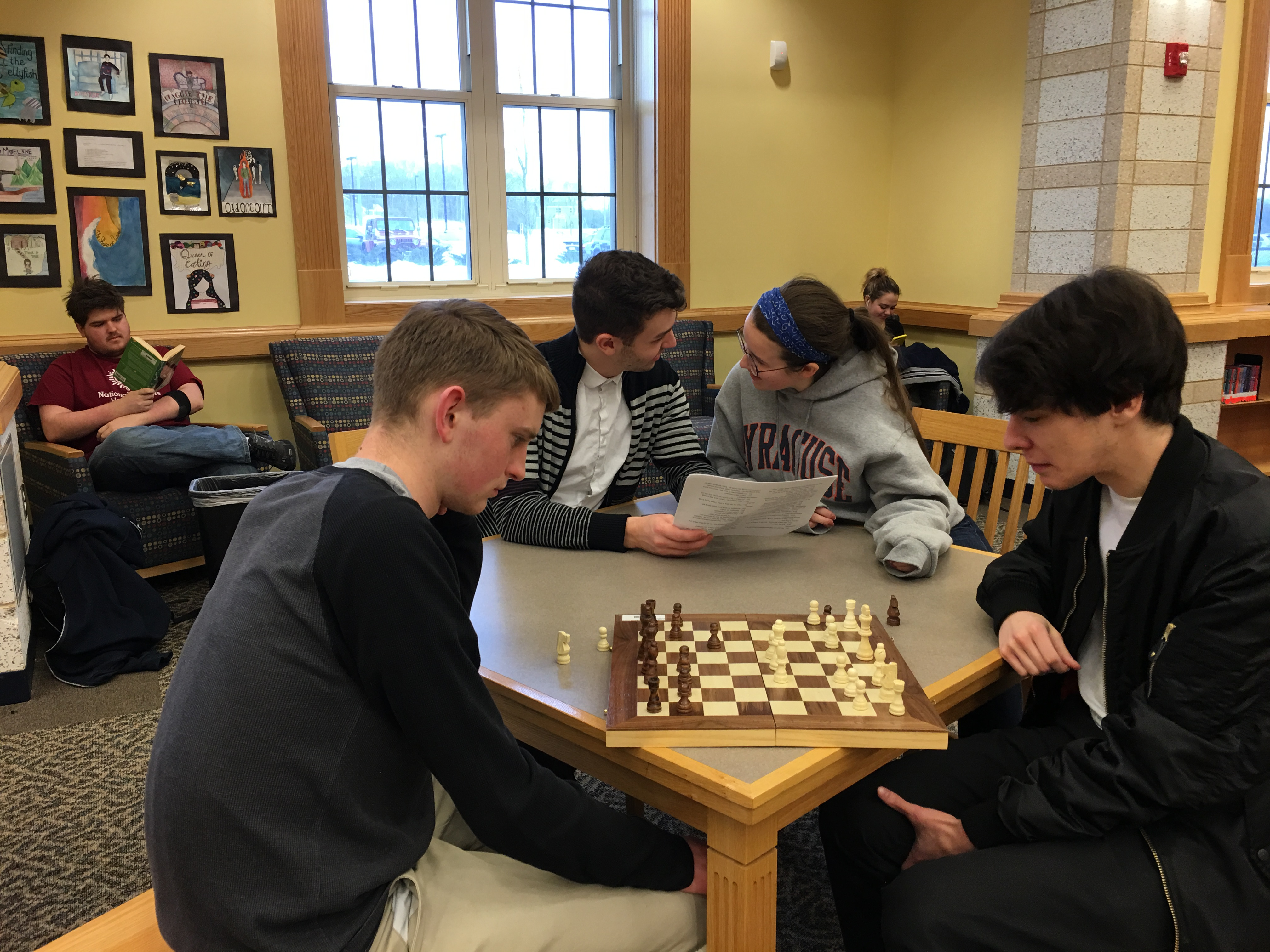 Students playing chess in the Learning Commons.