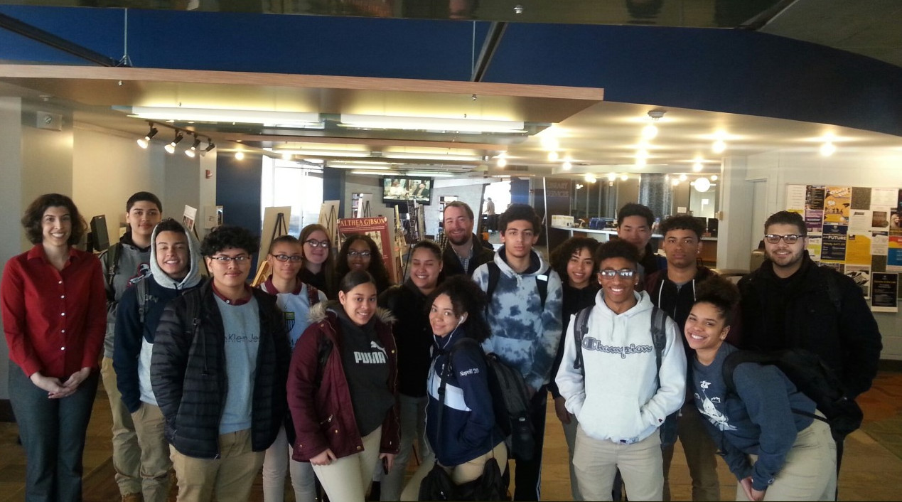 Picture of ALA Students with Librarian