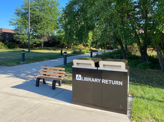 picture of outside book drop at Mequon Library